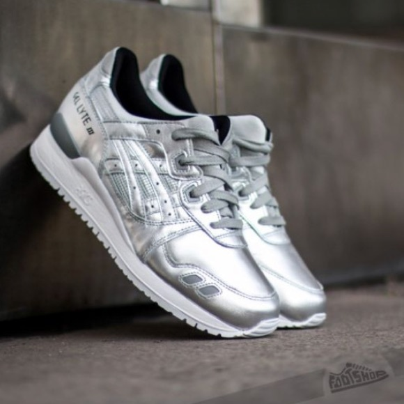 """ASICS Gel Lyte III """"Holiday Pack"""" Silver Sneakers NWT"""